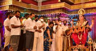ಮಂಗಳೂರು ದಸರಾಕ್ಕೆ ವಿದ್ಯುಕ್ತ ಚಾಲನೆ ನೀಡಿದ ಕೊರೊನಾ ವಾರಿಯರ್