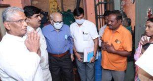 ಬೆಳಗಾವಿ: ಇತ್ತೀಚೆಗೆ ಆತ್ಮಹತ್ಯೆ ಮಾಡಿಕೊಂಡಿದ್ದ ನೇಕಾರನ ಕುಟುಂಬಕ್ಕೆ ಸಚಿವರ ಸಾಂತ್ವನ